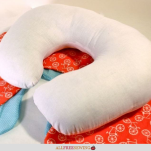 U-Shaped Baby Pillow Tutorial