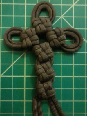 Macrame Paracord Celtic Cross