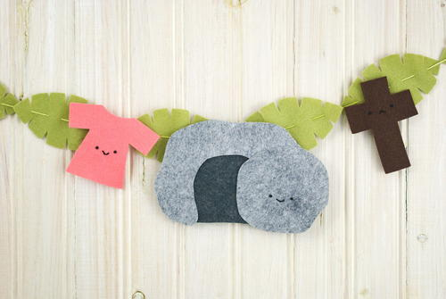 Adorable Felt Banner Holy Week Craft