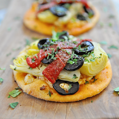 Spanish Mini Pizzas with Artichoke Hearts & Goat Cheese