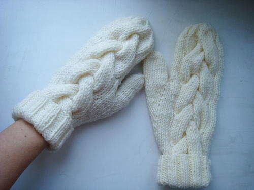 Snow Queen Cable Mittens