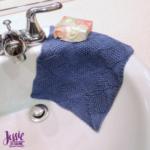 Seed Stitch Entrelac Washcloth