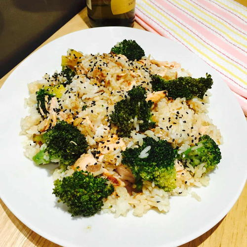 A Delightful 'Mess' with Salmon, Broccoli and Rice