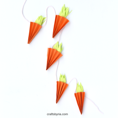 Easy Accordion-Folded Carrot Garland