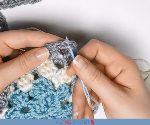 How to Use Yarn Needles