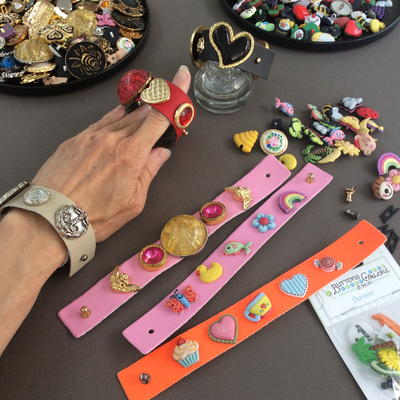 Easy Button Bracelet That Is Interchangeable and No-Sew