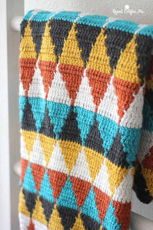 5 Color Crochet Triangle Blanket Pattern