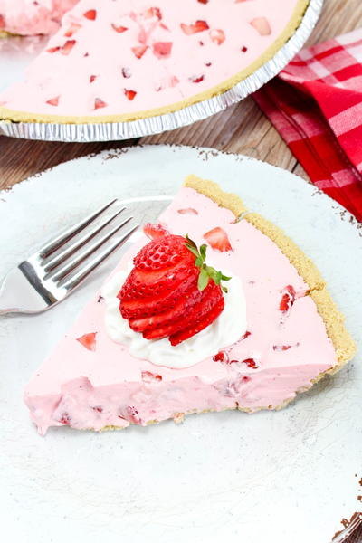 Strawberry Jello Pie