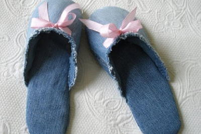 How to Make Slippers From Jeans