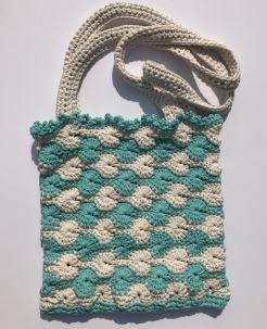 Summer Shells Crochet Shoulder Bag Pattern