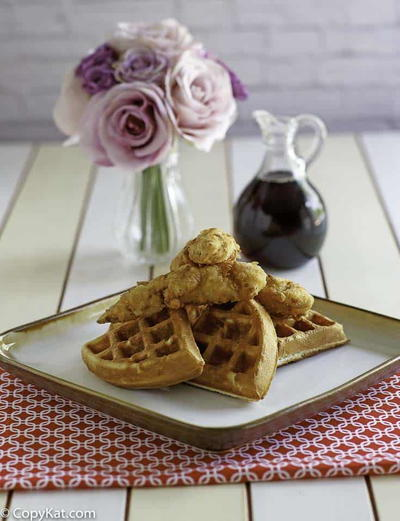 Copycat Grand Lux Cafe Chicken and Waffles