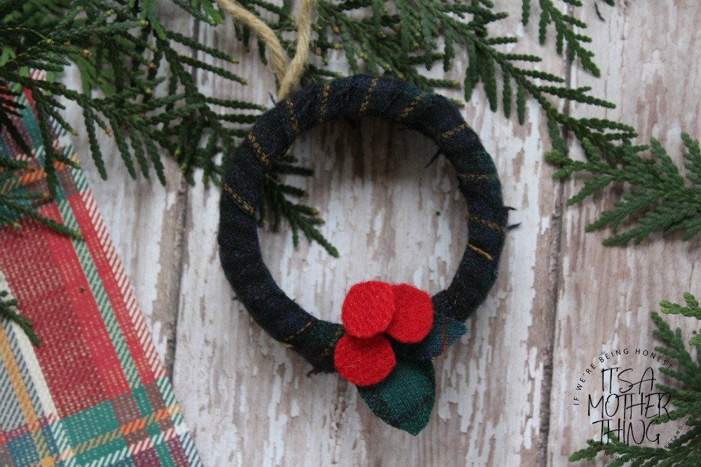 Mason Jar Lid Wreath Winter Ornament