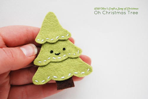 Cute Smiling Christmas Tree Pin