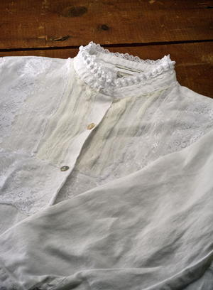 Sew Retro Lace Shirt