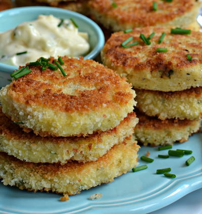 Potato Croquettes with Aioli Dipping Sauce