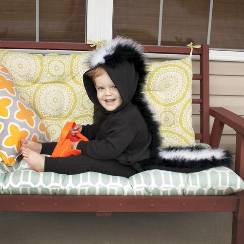 Absolutely Adorable DIY Toddler Skunk Costume