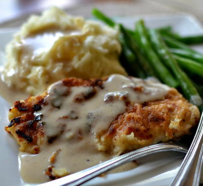 Pan Fried Chicken with Creamy Gravy