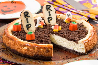 Ghostly Halloween Cheesecake