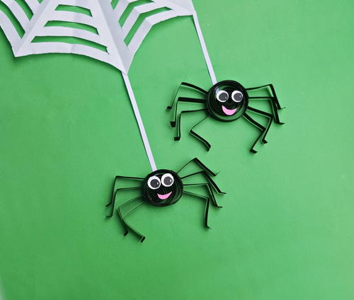 Easy Quilled Paper Spider