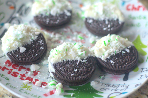 Peppermint Dipped OREOS