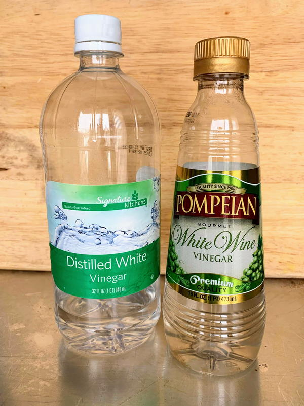 White vinegar and white wine vinegar