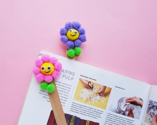 DIY Pom Pom Flower Bookmark