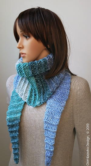 Alesha Fall Triangle Scarf
