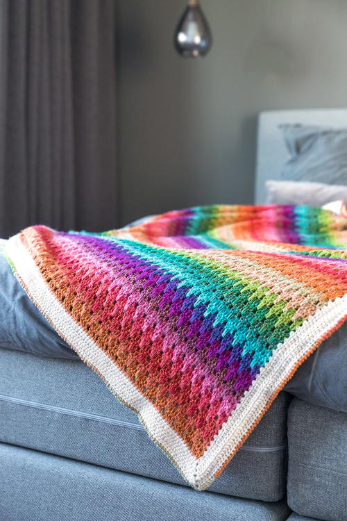 Big Larksfoot Rainbow Blanket
