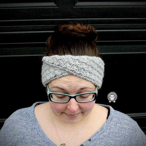 Twisted Shells Ear Warmer