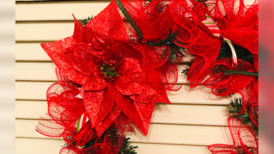 DOLLAR STORE: DIY Christmas Wreath