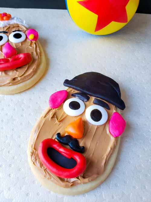 Mr and Mrs Potato Head Cookies
