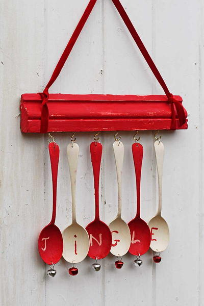 Upcycled Spoon Wind Chimes for Christmas