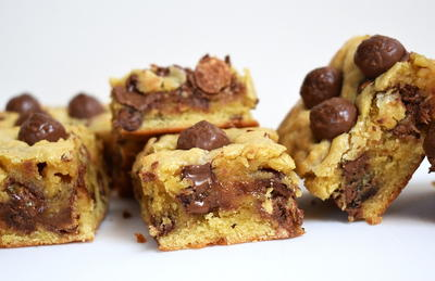 Malteser Cookie Bars