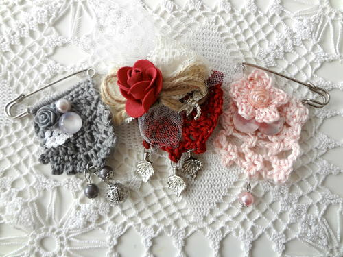 Crochet Art Brooches