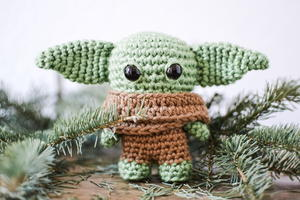 Pocket Baby Alien Amigurumi