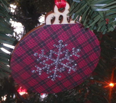 Country Plaid Ornament Featuring A Glitzy Snowflake