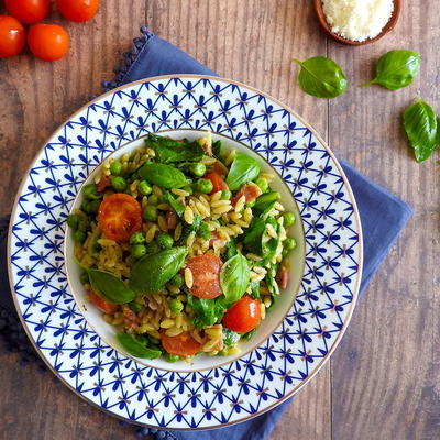 Bacon & Spinach Orzo With Pesto