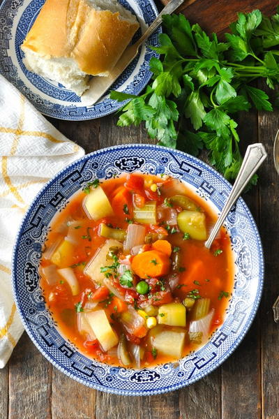 Slow Cooker Vegetable Soup