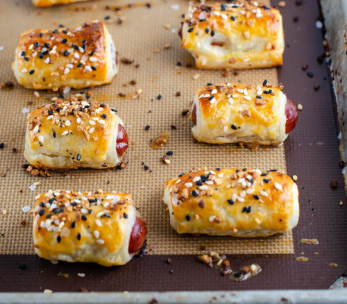 Everything Bagel Mini Pigs In A Blanket