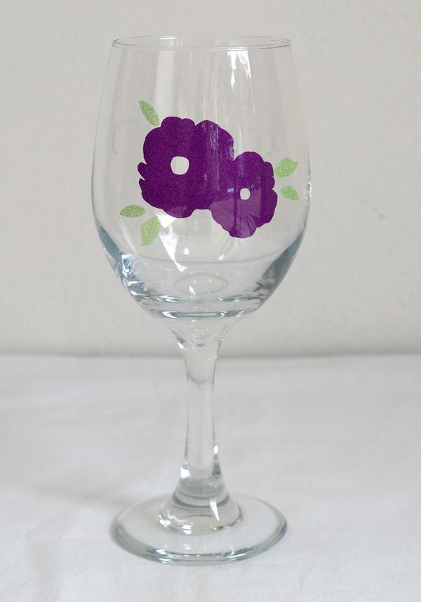 DIY Personalized Wine Glasses with Vinyl