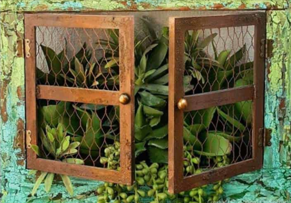 DIY 'Cracked Up' Window Planter