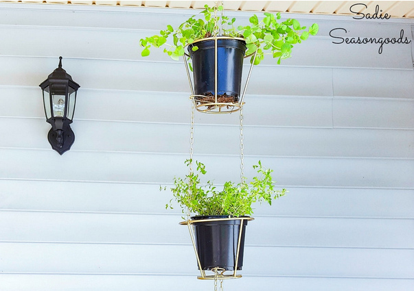 DIY Vertical Herb Garden Idea