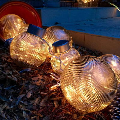 Outdoor Christmas Ornaments Upcycling Idea