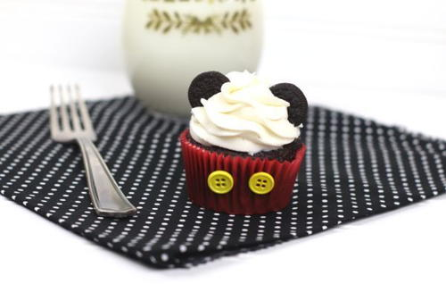 Mickey Mouse Cupcakes With Oreo Ears
