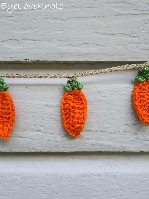 Super Easy Carrot Bunting