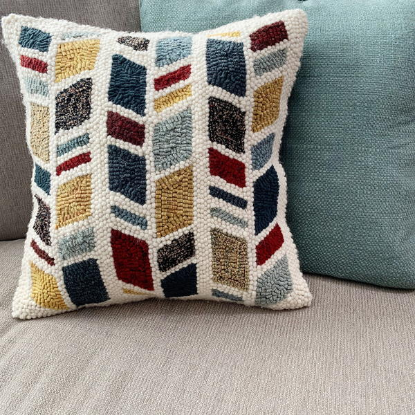 How To Finish A Punch Needle Pillow Rughookingmagazine Com