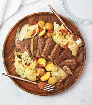 Irish Corned Beef and Cabbage With Potatoes