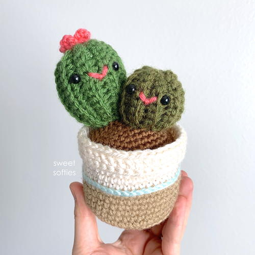 Mommy And Baby Mother's Day Cactus Plant Amigurumi