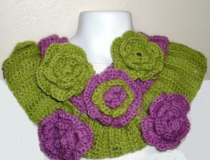 Crochet Scarf with Flowers