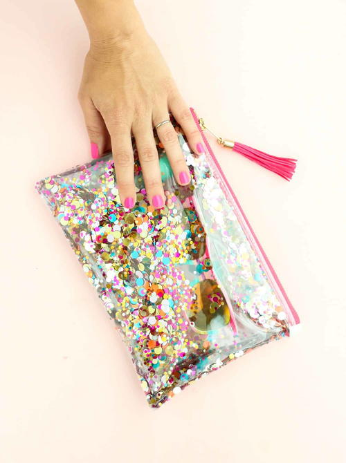 Water-Resistant Zipper Pouch DIY